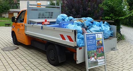 Ladefläche voll – das Fahrzeug des DBM bringt den Müll dahin wo er hingehört: zum Servicehof Am Krekel.©DBM, Sonja Stender