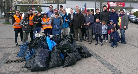 """Der Stadtteil Richtsberg ist jedes Jahr beim """"Sauberhaften Frühjahrsputz"""" dabei und die Teilnehmenden wissen bereits, wo sich das Müll-Sammeln lohnt.©@privat"""